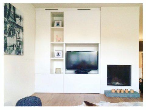 vaste kast, maatwerk, strak, wit, lift-deur, weggewerkte tv, kast, interieur, ontwerp